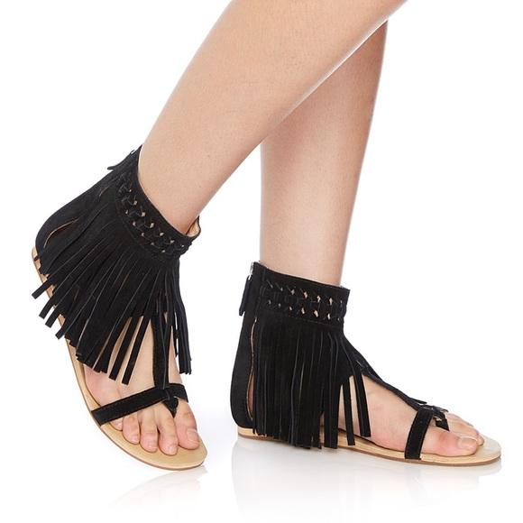 62d8b461c70 Koolaburra by UGG Athena Fringe Sandals size 7